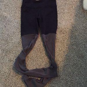 Alo leggings in size large